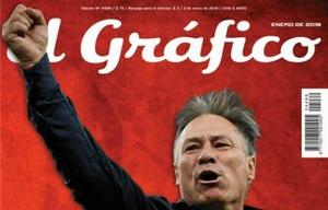 La última tapa de El Gráfico tuvo al técnico de Independiente, Ariel Holan.