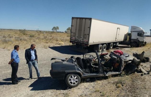 """El fiscal Dani Báez dijo que """"el camión lo arrastró al auto exactamente 77 metros"""""""