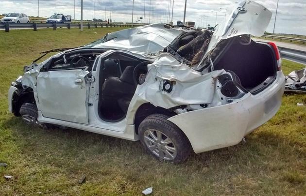 Los Bomberos de Bell Ville rescataron a los conductores.