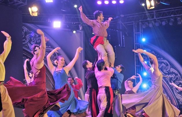 El Ballet Folklórico Nacional acompañó el tradicional Himno a Cosquín.