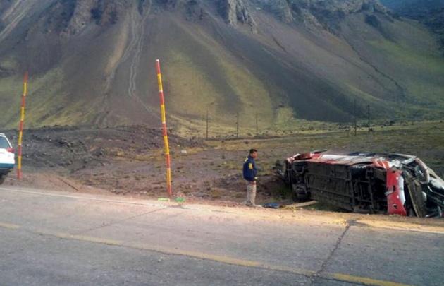 En el choque de los dos micros en Uspallata, murieron tres niños.