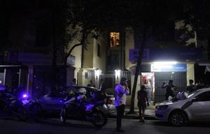 En el tiroteo fueron abatidos un policía y dos ladrones.