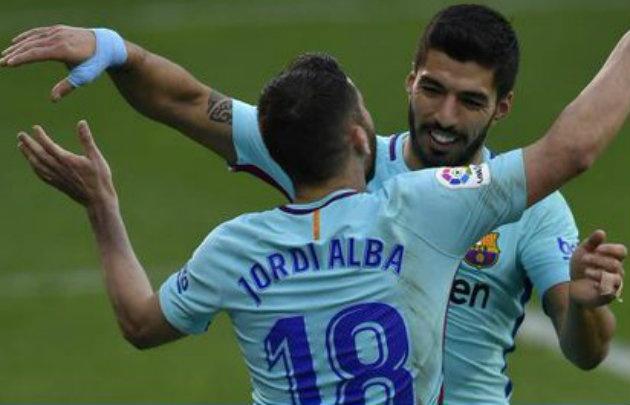 Luis Suárez y Jordi Alba anotaron los goles para el triunfo del Barcelona.