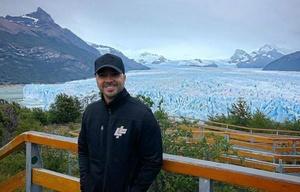 Luis Fonsi recorrió la ciudad de El Calafate y el glaciar Perito Moreno.