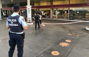 El asalto se produjo cerca de las 2 en La Querencia.