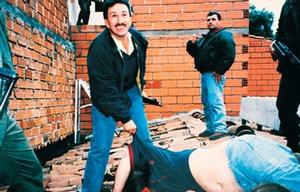 Arrestaron por lavado de dinero al líder del operativo contra Pablo Escobar.