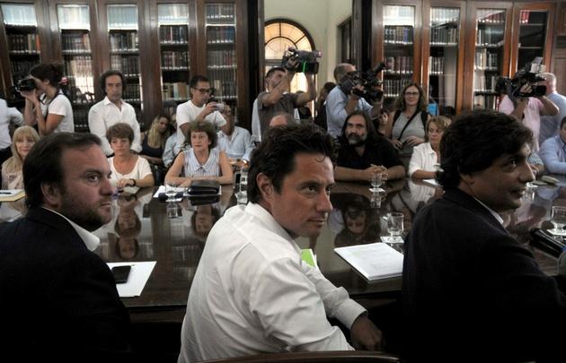 Miembros del gobierno bonaerense recibieron a dirigentes docentes en La Plata