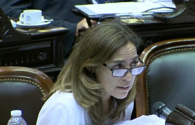 La diputada Carla Carrizo pidió conocer sobre los recursos destinados a la Iglesia.
