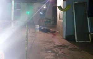 Hallan muerto a un supuesto ladron vestido de policía en Cordoba.