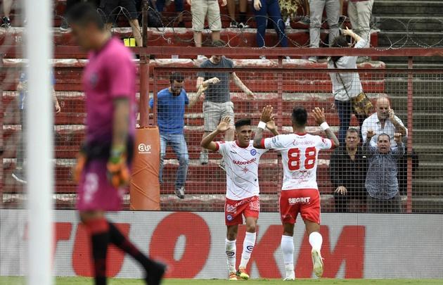 """El """"Bicho"""" ganó con justicia y pudo reponerse de la derrota con Independiente."""