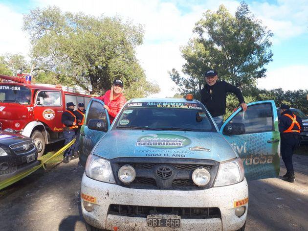 FOTO: Reagrupamiento en San Ignacio, Tänak, Jarveoja, Gilsoul y Neuville en la espera