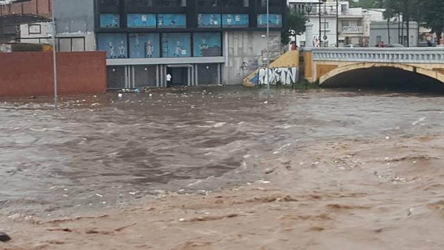 FOTO: Zonas anegadas y cortes de luz en Córdoba tras la lluvia