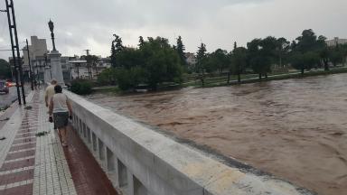AUDIO: La lluvia en Córdoba dejó anegamientos y árboles caídos