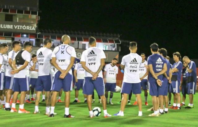 FOTO: Scaloni ya tiene el equipo para el debut con Colombia