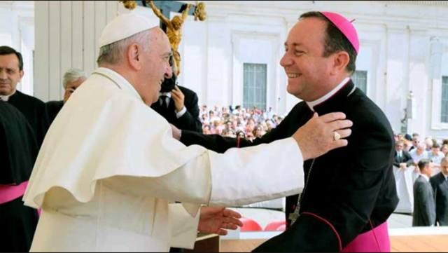 FOTO: Obispo argentino investigado en el Vaticano por abuso sexual