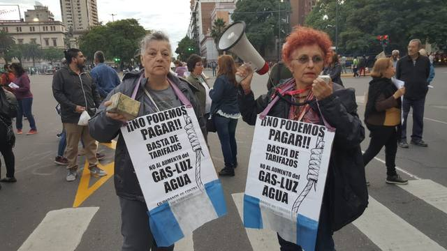 FOTO: Marcharon contra el tarifazo en Buenos Aires y Córdoba