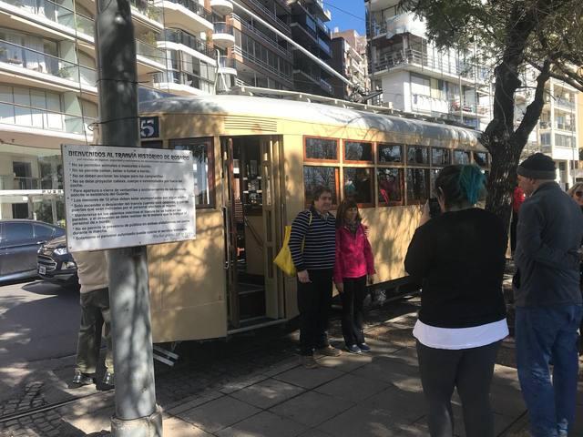 FOTO: Un paseo en tranvía, una alternativa para recorrer Rosario