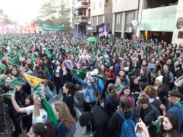 FOTO: Caos de tránsito en el centro cordobés por cortes y marchas
