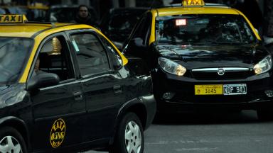 AUDIO: Por la crisis, taxistas rosarinos no quieren pagar multas