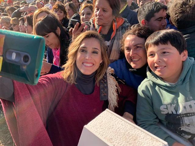 FOTO: Una multitud bailó y cantó con Soledad en la Agroactiva