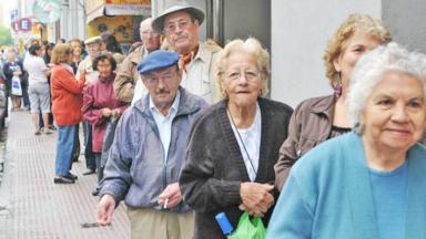 AUDIO: El cronograma del medio aguinaldo de jubilados y empleados