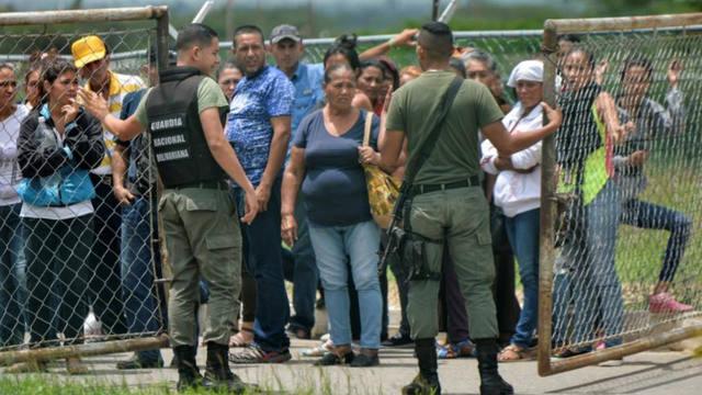 FOTO: Son 29 los muertos por el motín en Venezuela