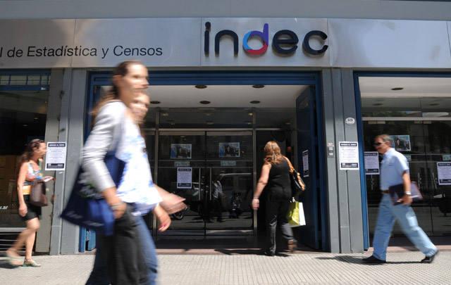 FOTO: El Indec aseguró que la actividad económica cayó.