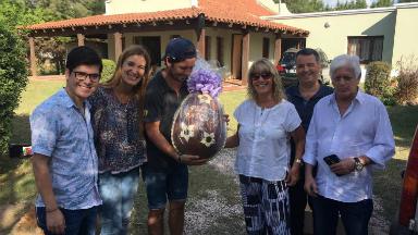 AUDIO: El comedor Los Pekes recibió su huevo de Capilla Vieja