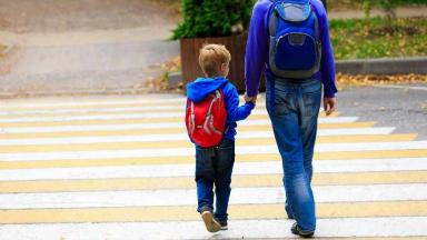 AUDIO: Mujer deberá indemnizar a su ex por impedirle ver a su hijo
