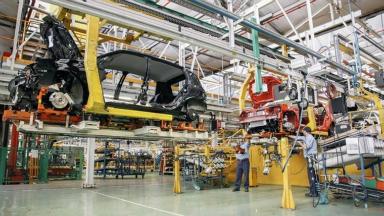 AUDIO: Advierten que peligra el 15% de los empleos en autopartistas