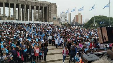AUDIO: 15 mil chicos de Santa Fe realizan la Promesa a la Bandera