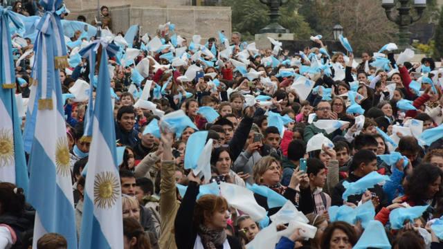 FOTO: 15 mil chicos de Santa Fe realizaron la Promesa a la Bandera