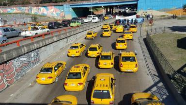 AUDIO: Taxistas marchan este martes en Córdoba en contra de Uber