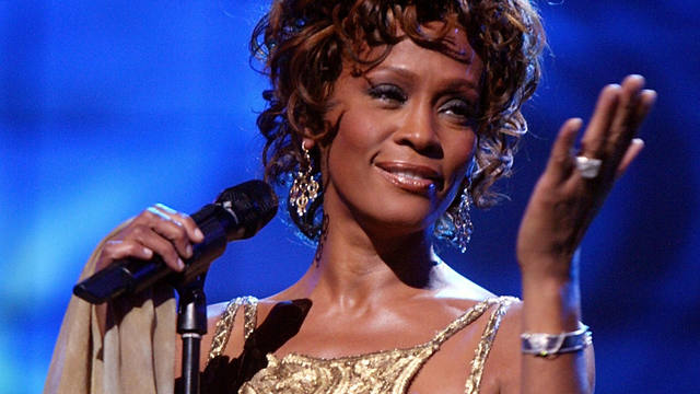 Lanzan un tema inédito de Whitney Houston
