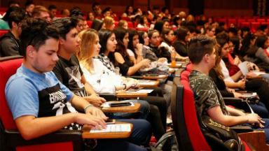 AUDIO: Fundación capacita a jóvenes y les facilita un empleo formal
