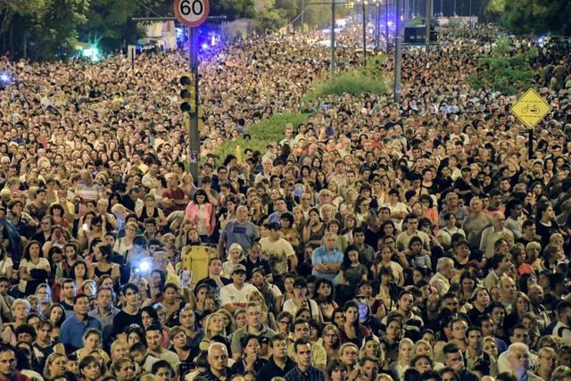 FOTO: Más de 350 mil fieles en el 40º vía crucis del padre Ignacio