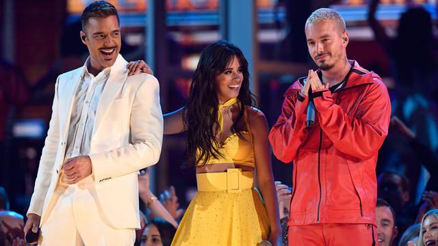 FOTO: Participó de la apertura junto a Camila Cabello y J Balvin