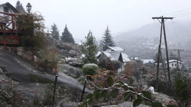 AUDIO: La Cumbrecita fue sorprendida por la primera nevada