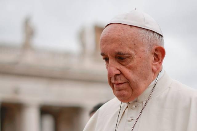FOTO: Papa advierte a los jóvenes sobre peligros del mundo digital