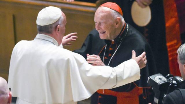 FOTO: El Papa expulsó al ex cardenal McCarrik, acusado de abusos