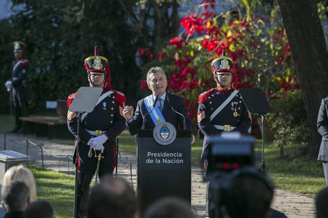 FOTO: Macri advirtió que