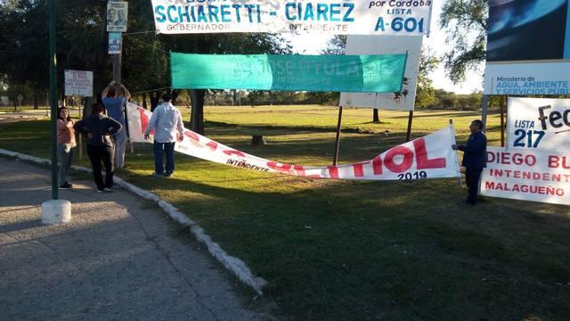 FOTO: Terminó tercero en Malagueño y salió a limpiar las calles