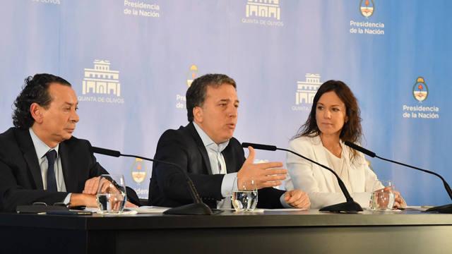 FOTO: El Gobierno congela las tarifas de los servicios hasta 2020