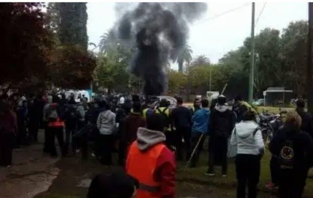 FOTO: Protesta por despidos en TecnoSport Foto: @vidasindical