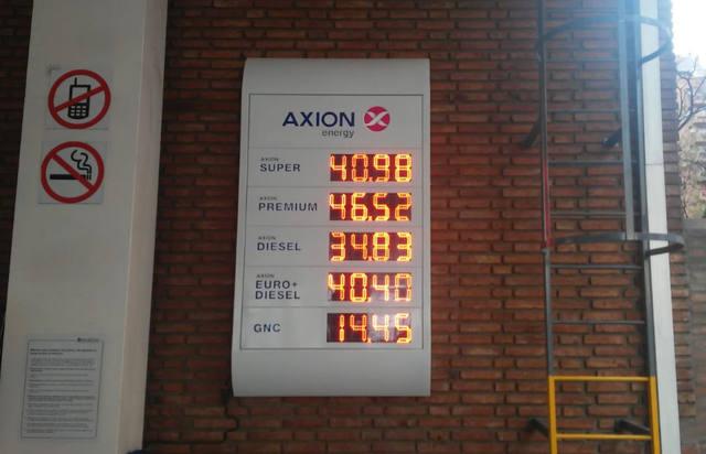 FOTO: YPF volvió a aumentar las naftas: la súper roza los $41