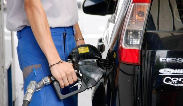 En cuánto quedó la nafta Súper y el GNC — Suba de combustibles