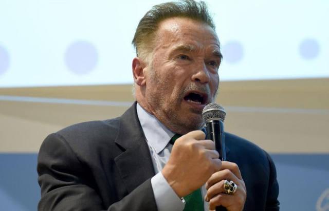 FOTO: La brutal patada voladora que recibió Arnold Schwarzenegger