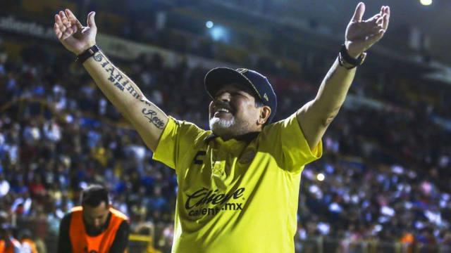 FOTO: Maradona festejó una nueva hazaña de Dorados