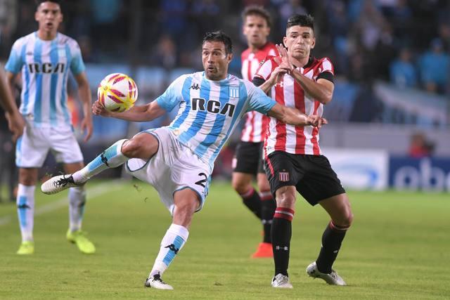 FOTO: Racing pasó a cuartos tras empatar sin goles con Estudiantes