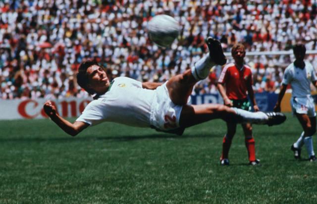 FOTO: Se eligió el mejor gol de los mundiales y no es el de Diego